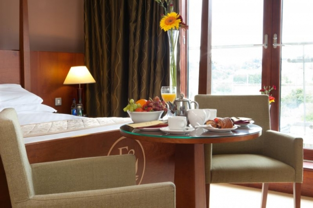 deluxe_accommodation_in_co_louth