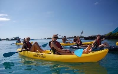 kids-kayaking